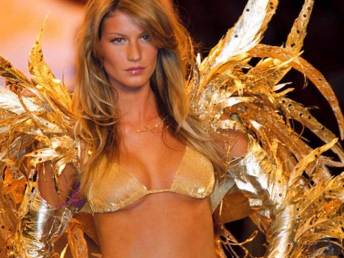 21 unexpected places where top supermodels were discovered