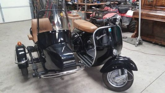 At $7,500, Could This 1969 Piaggio Vespa 150 With a Sidecar be Your New Sidekick?