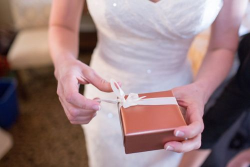 The 3 things people get wrong when buying wedding gifts, according to an expert -and how much you should actually be spending