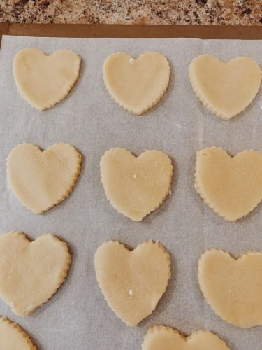 Baked with Love: V-Day's Literary Past and Alice in Wonderland-Inspired Cookies