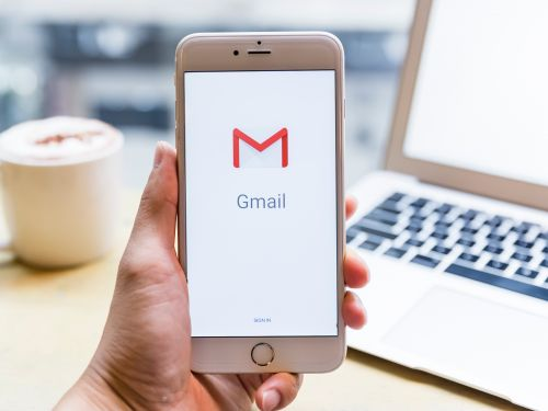 How to add hyperlink text in Gmail on a computer or mobile device