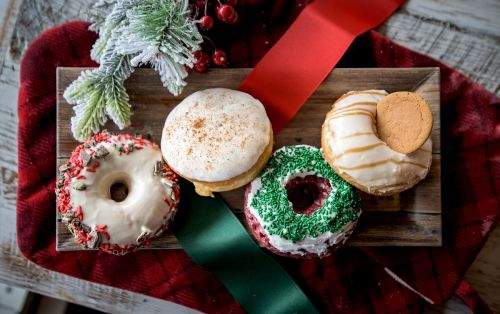 5 Places in Virginia for Holiday Treats, Sweets, & Cocktails