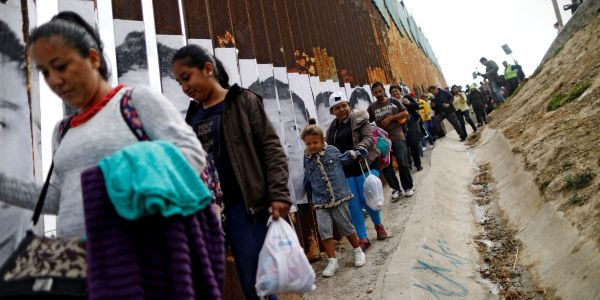 Heartbreaking report describes how a 5-year-old migrant boy separated from his father clings to stick-figure sketches of his family