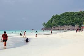 In premier island-beach resort Boracay, Chinese tourists remained top