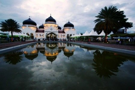 Aceh attracts tourists with 100 natural, cultural attractions