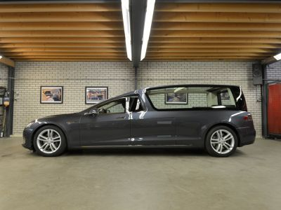 A Dutch company transformed a Tesla into a hearse for the ultimate last ride