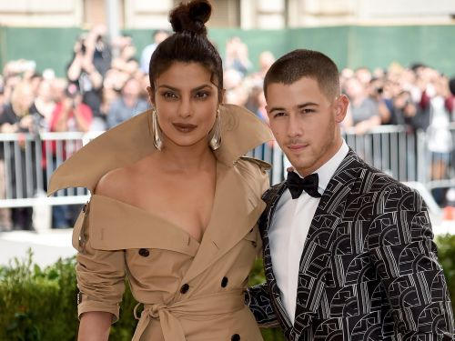 Nick Jonas and Priyanka Chopra recreated one of their first pictures together, and people are living for it