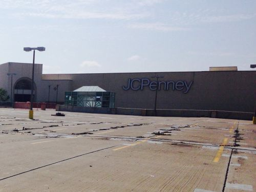 JCPenney is laying off 670 workers as it closes its 2-million-square-foot facility in Wisconsin
