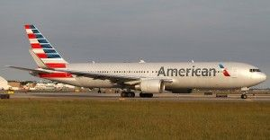 Cracked windshield triggers emergency landing of American Airlines