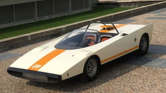 The Alfa Romeo 33 Spider Cuneo was a Paulo Martin-designed concept unveiled at the Brussels motor sh