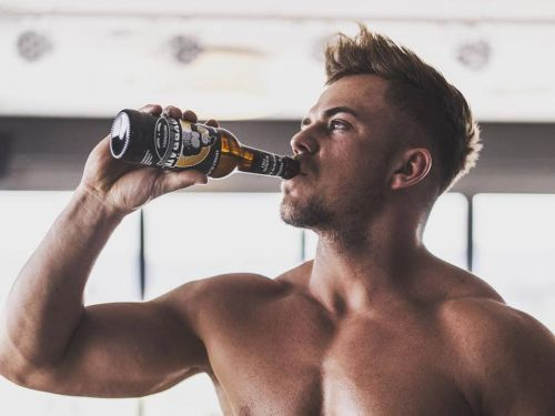 A tiny startup made a vegan, alcohol-free protein beer for muscle growth