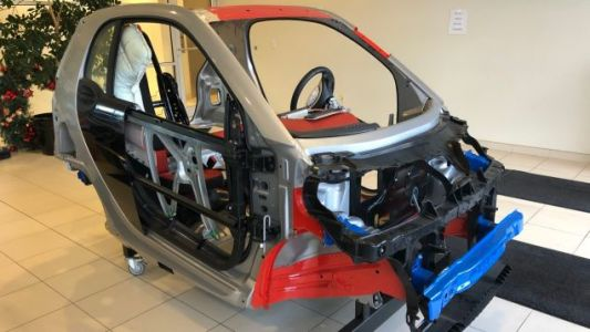 I Would Totally Buy This Smart ForTwo Shell If I Had a Bigger Apartment