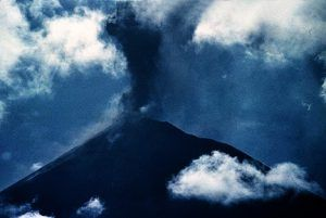 Red warning to airlines as Papua New Guinea Ulawun volcano erupts, residents flee