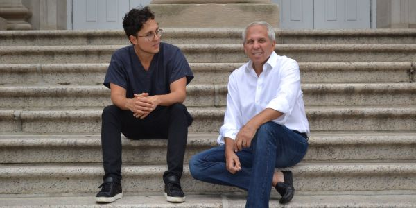 These dentists-turned-entrepreneurs invented a clever way to choose the lowest price you want to pay for dental treatment - here's how it works