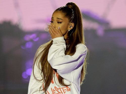 Ariana Grande broke down crying when she talked about the Manchester attack and the importance of mental health