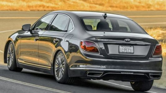 In a Stroke of Brilliance, The 2019 Kia K900 Is Now $10,000 More Expensive