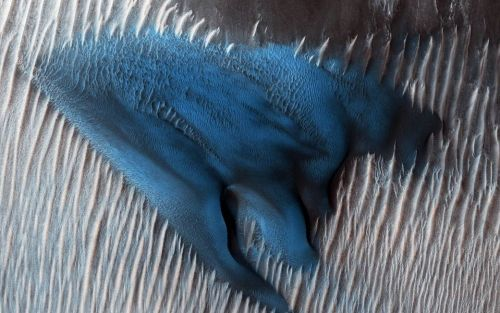 NASA discovered an electric blue sand dune on Mars - and the photos are mind-blowing