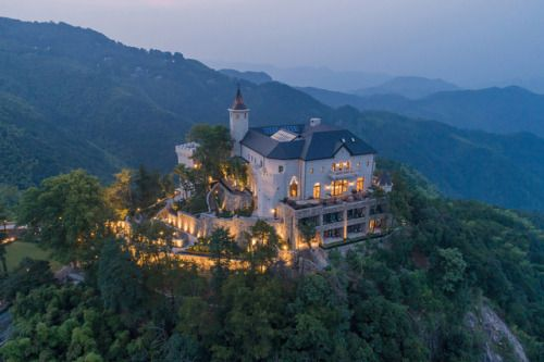 This Scottish Castle in China Is All About Nature-Infused