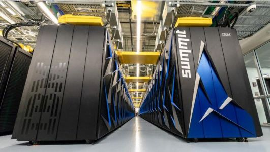The US has surpassed China to become home of the world's fastest supercomputer - check out photos of the $200 million machine