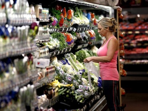 8 ways to stop wasting money when buying food