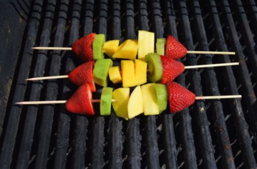10 simple summer desserts you can make on a grill
