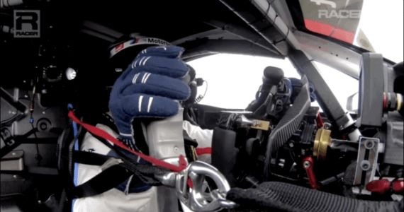 Here's How Alex Zanardi Drives A Race Car Without Legs