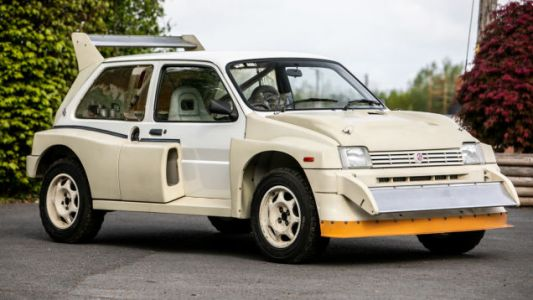 A Ridiculously Low-Mileage MG Metro 6R4 Rally Car Is Headed to Auction; Someone Buy This Ugly Thing