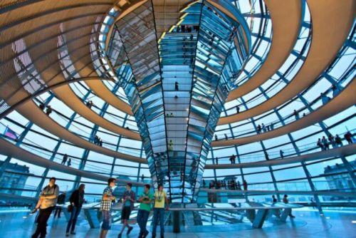 Daily Dose of Europe: Berlin's Reichstag - Teary-Eyed Germans and a Big Glass Dome