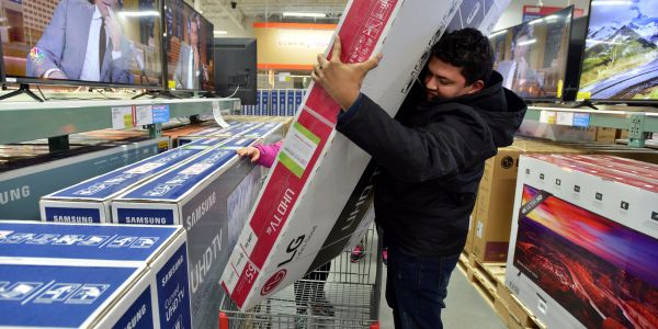Retail sales grow at their fastest annual pace in 5 years