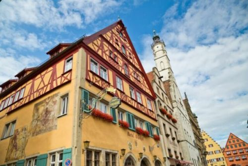 Daily Dose of Europe: Rothenburg'sNight Watchman