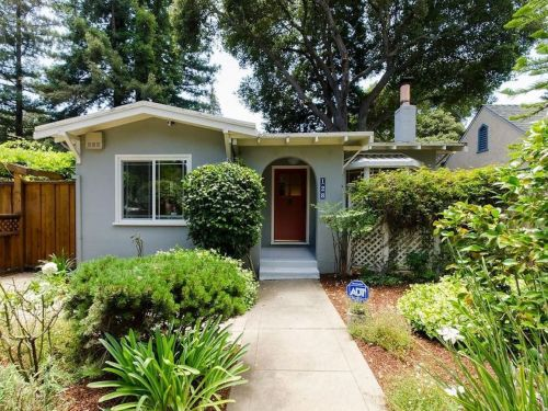 Silicon Valley's housing crisis is so dire that this 897-square-foot Palo Alto home is selling for $2.59 million - take a look inside