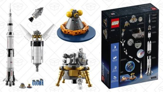 Be the First Man With LEGO's 1,969 Piece Saturn V Apollo Kit, Now $15 Off