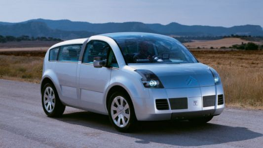 This car isn't broken, it's just the 2001 Citroen C-Crosser concept