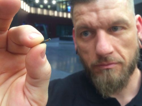 Thousands of people in Sweden are embedding microchips under their skin to replace ID cards