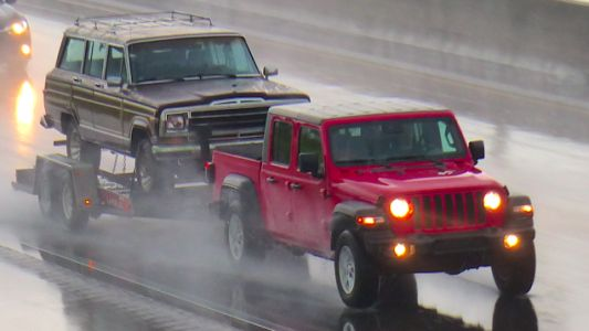 What It Was Like Towing a Free Jeep Grand Wagoneer With the 2020 Jeep Gladiator