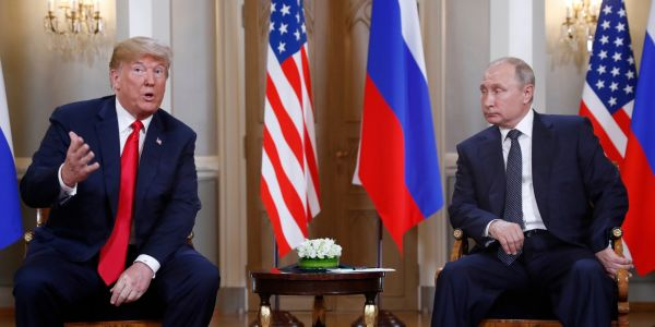 A body language expert breaks down the Trump-Putin summit