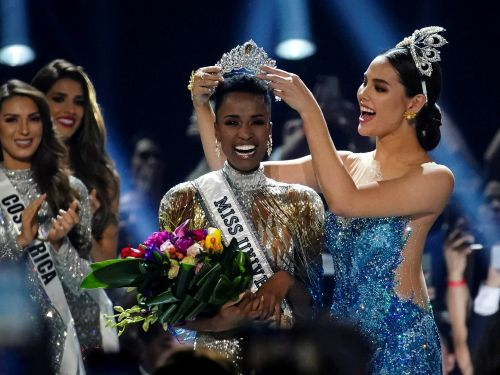 Miss Universe Zozibini Tunzi celebrated her win by eating a steak at her hotel