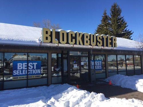 There is only one Blockbuster still surviving in the entire United States. Here's what it's like to visit