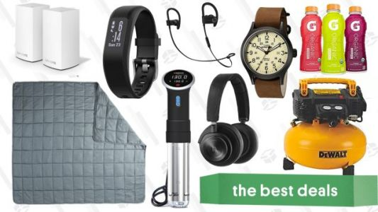 Wednesday's Best Deals: 20 Pound Blanket, Sous-Vide, Mesh Wi-Fi Router, and More