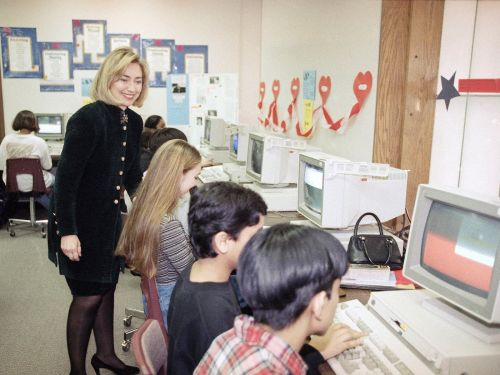 12 vintage photos of computer labs that will make you realize how different school is today