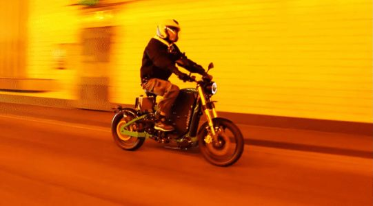 Accelerating This Electric Motorcycle Is As Easy As Riding A Bike