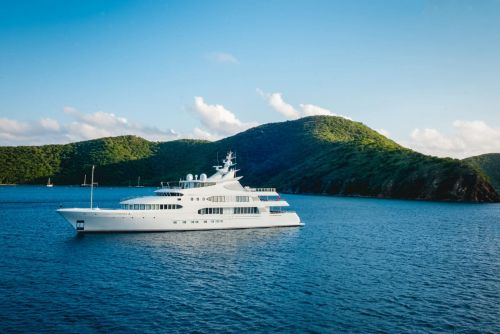 A Guide To Working On Super Yachts & Sailboats