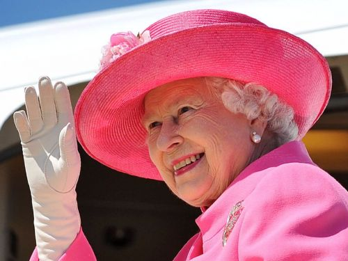 The queen is looking for a new employee to live in Buckingham Palace - and you don't need any prior experience to land the gig