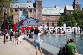 Holland to continue tourism promotion despite adverse media reports