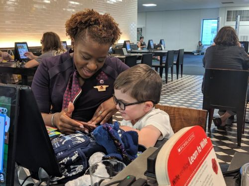 A flight attendant went above and beyond for a 4-year-old on her flight, and his mom's post about her kindness is going viral