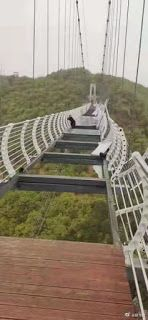 Tourist stranded on glass bridge triggers safety concerns
