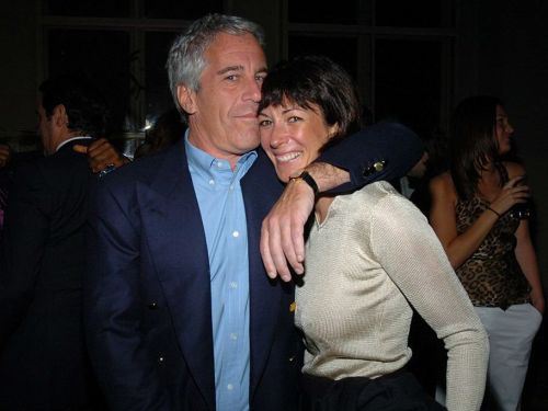 Discrepancies in the photos of Ghislaine Maxwell at In-N-Out Burger raise question of Photoshopping or doctoring, according to report
