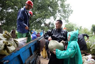 Chinese regions in typhoon's path make ready preparations
