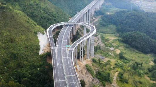 This 'High-Speed' Turnaround On A Long Mountain Highway Is A Brilliant Time-Saver