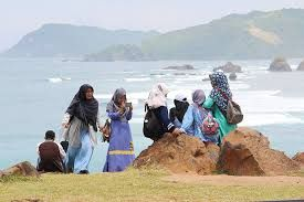 Indonesia aims to bag the top spot in halal tourism